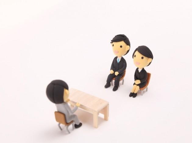 留学や英語力は就職活動で役に立つのか?