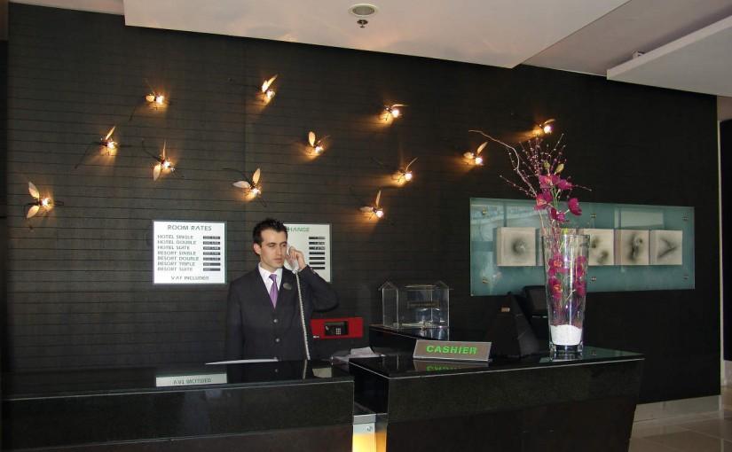 ホテルに泊まるとき使える英語フレーズ  ~事前予約・当日予約~