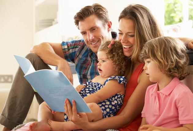 4,family-reading-book-(1)