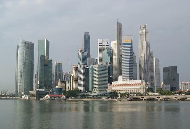 シンガポールの官庁~職場のPCはネットNGに