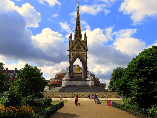ピンク・フロイド大回顧展~ロンドンで来年5月に開催