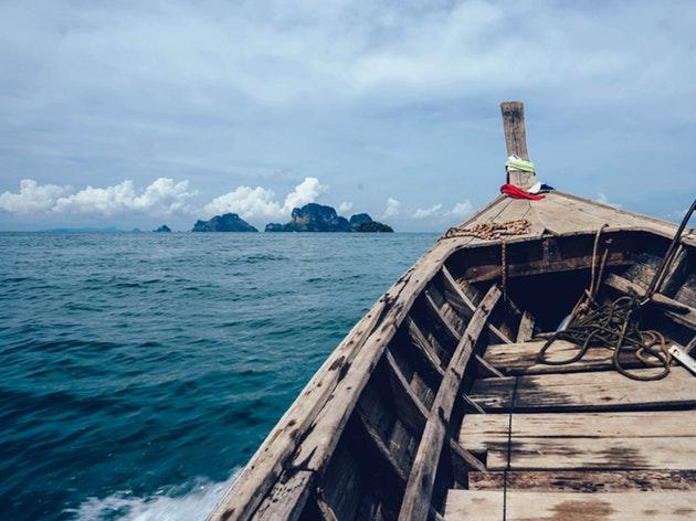 3年間、家族と帆船で旅をした女の子のAMAで英語学習!