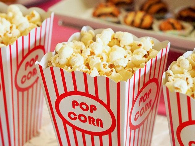 【地獄】アベンジャーズ公開初週を乗り切った映画館スタッフだけど質問ある?で英語学習