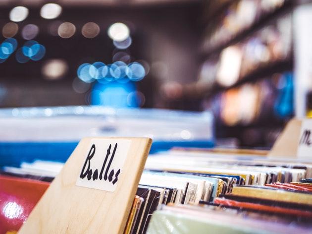 ザ・ビートルズ『アビイ・ロード』50周年!ポールとツイッターの反応で英語学習